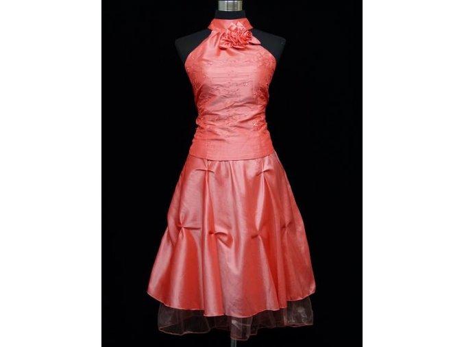 Lososové krátké společenské šaty za krk do tanečních C4295