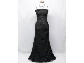 Černé společenské šaty se sklady a krajkou na ples 2384