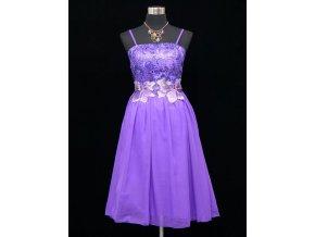Fialové lila koktejlky krátké společenské šaty s krajkou C3668