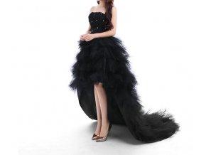 Černé polodlouhé luxusní společenské šaty s vlečkou a volány