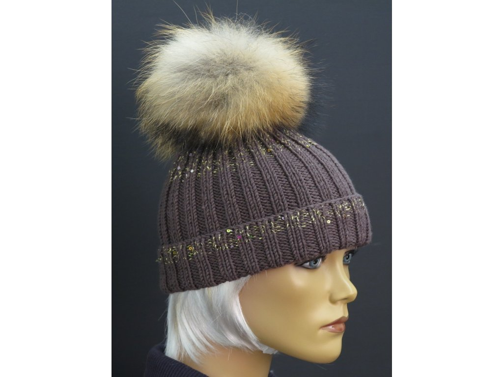 Luxusní zimní čepice s kožešinovou bambulí 304 hnědá + zlaté flitry ... d65d051b0d