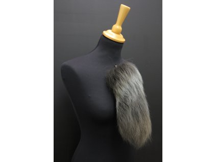 Kožešinový ohon šedý přívěšek na kabelku