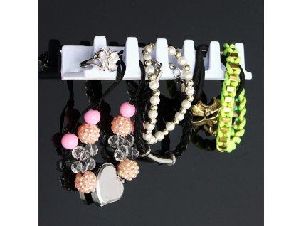 Nalepovací věšáčky na šperky