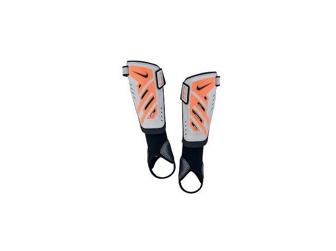 Chránič holení Nike  protega