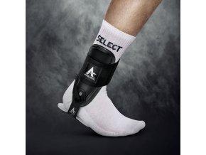 Bandáž kotníku Select Active ankle T-2 černá