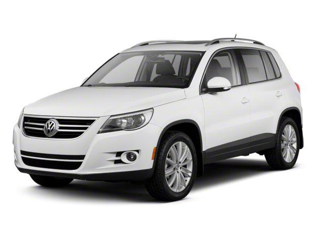 2011-Volkswagen-Tiguan-S-vymena-autoradia