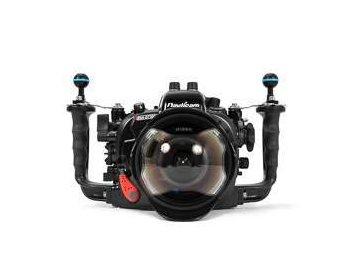 Nauticam NA-D7200 housing for Nikon D7200/D7100 camera