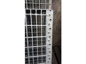 Svařovaný zinkovaný schod 22x50  SP 30/3 - 800 x 270mm