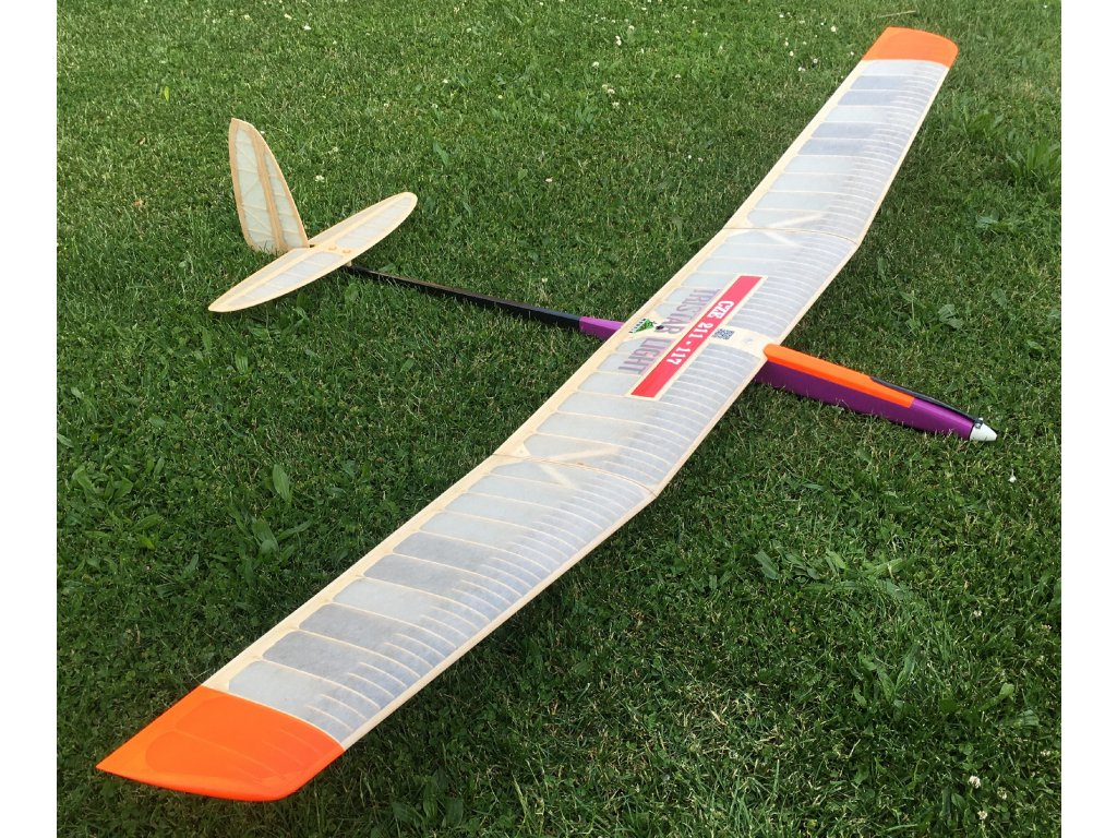 TRISTAR Křídlo