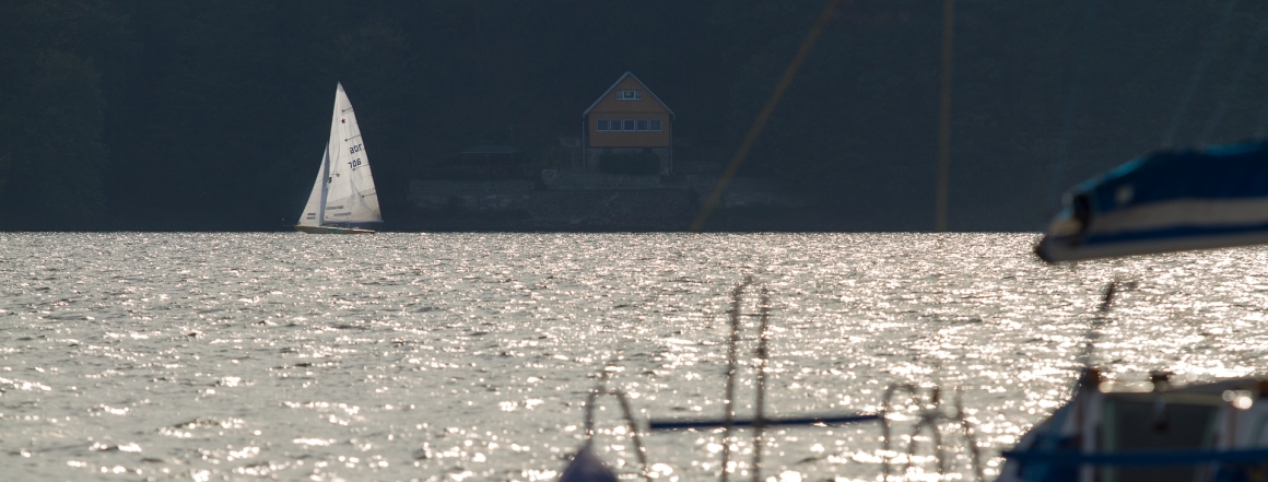 Vyjížďky se uskutečňují na Vranovské přehradě u Znojma v období březen až říjen (nebo po dohodě)