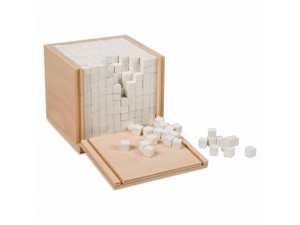 Krabička ve tvaru krychle s tisíci krychličkami