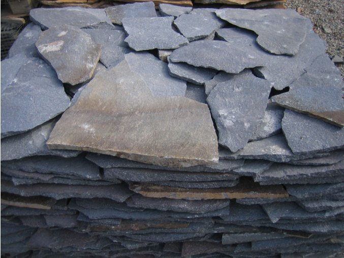 Andezit modrý kamenný obklad 10-50cm  tl.1-3cm