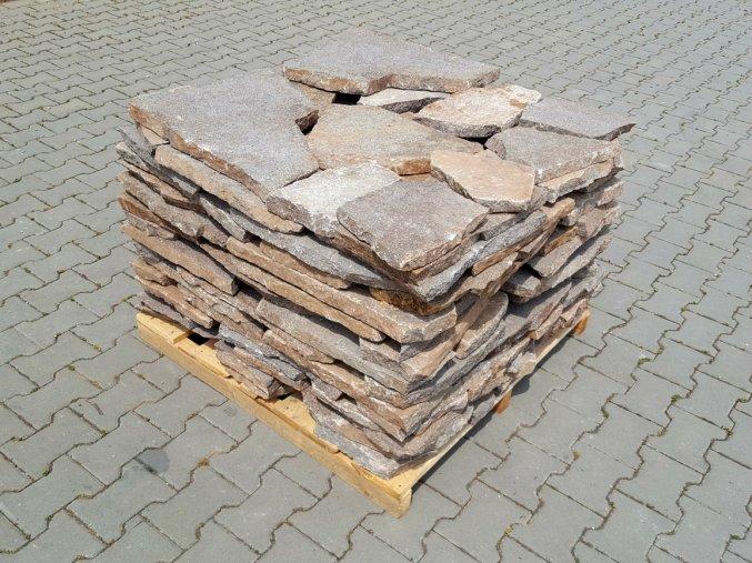 Kamenná dlažba Porfyr nepravidelný tvar hnědo-šedý 3-6cm