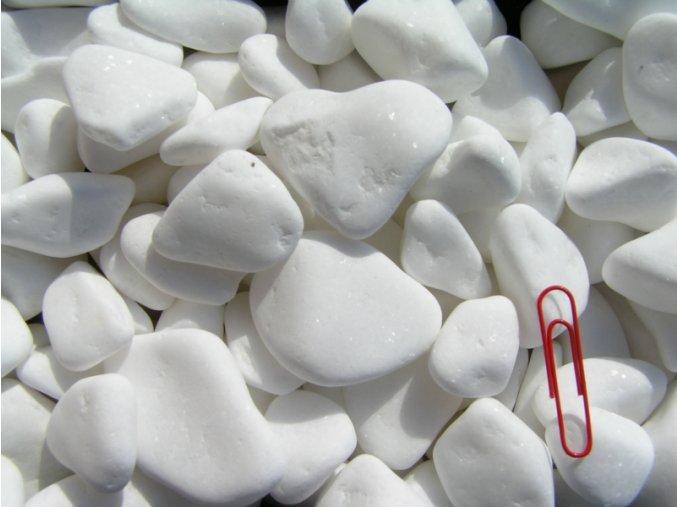 okrasný oblázek mramor bílá