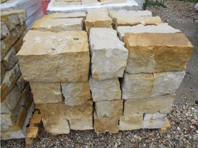 pískovec zdící bloky 20x20x40