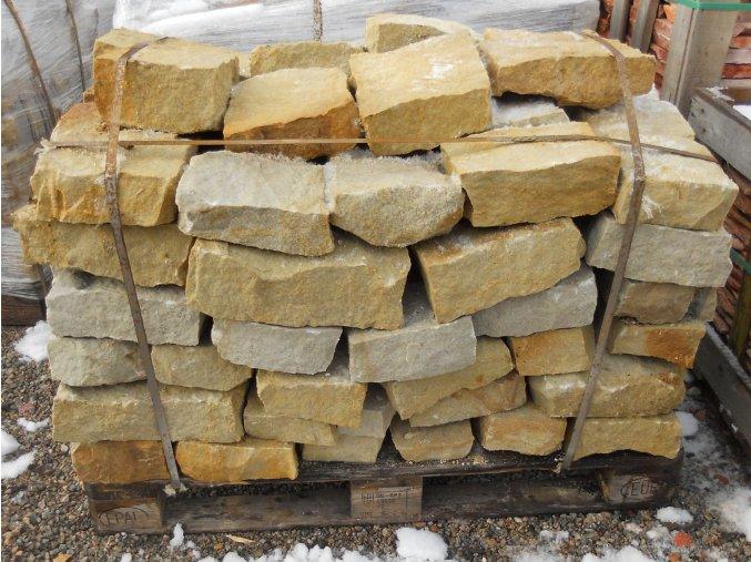 pískovec zdící bloky 7x10cm