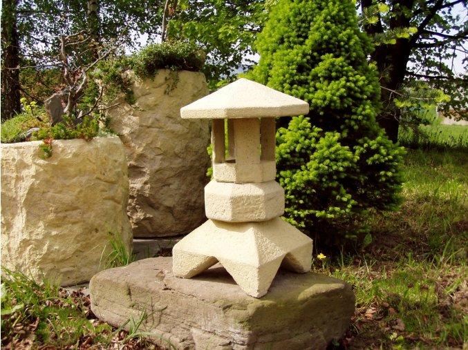 Zahradní lampička pískovec typ 2