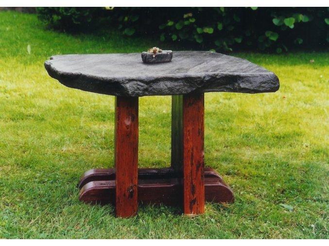 Kamenný stůl Norman