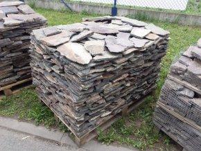Andezit šedo hnědý kamenný obklad 10-50cm  tl.1-3cm