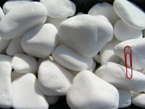 bílý oblázek mramor dekorační