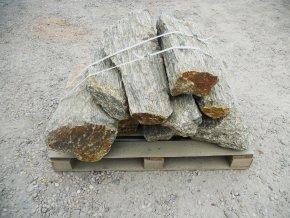 Solitérní kámen Gneis 50 120cm