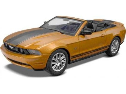 Snap Kit MONOGRAM auto 1963 - 2010 Ford Mustang Convertible (1:25)