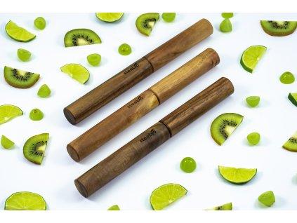 dřevěný obal na brčka