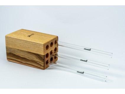 dřevěný stojan na brčka