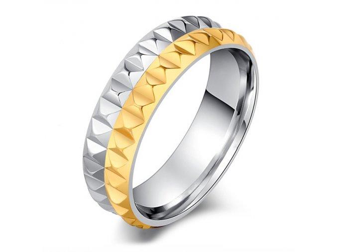 Prsteň z chirurgickej ocele, strieborný a zlatý pás, pyramídy