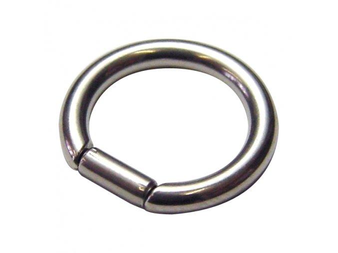 Piercing do nosa alebo bradavky z chirurgickej ocele, kruh