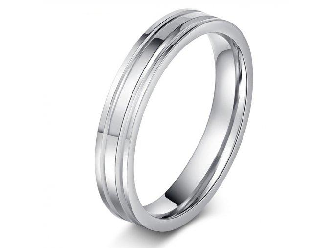 Prsteň z ocele, strieborná farba, ryhy a lesk