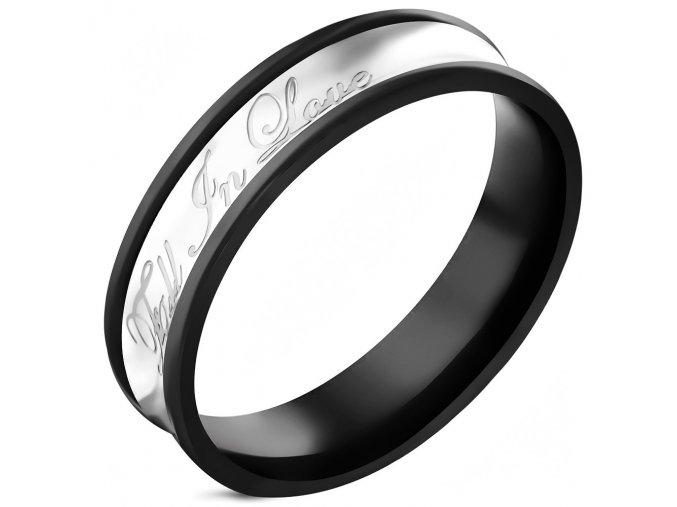 Obrúčka z ocele, čierna a strieborná farba, nápis Fall In Love