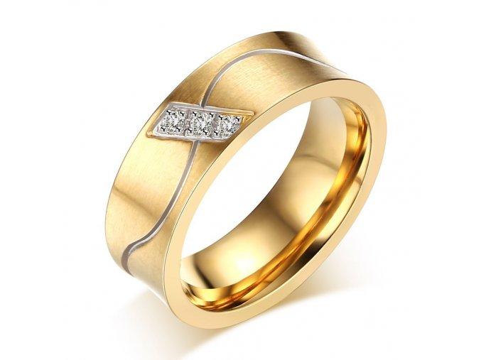 Dámska svadobná obrúčka, zlatá farba, číre zirkóny, vlnká, oceľ