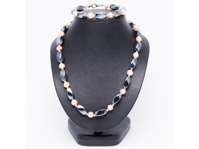 Náhrdelník a náramok, hematit a riečne perly, bižutéria