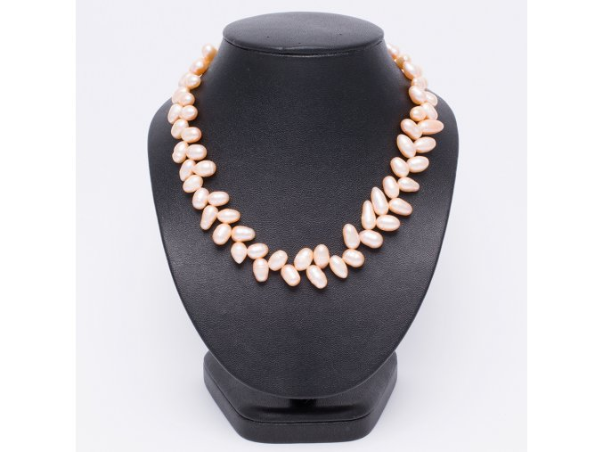 Náhrdelník z ružových perál, bižutéria