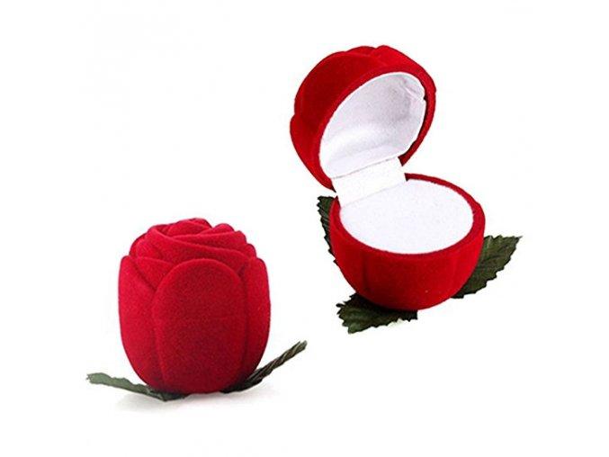 Zamatová červená ruža, darčeková krabička na zásnubný prsteň