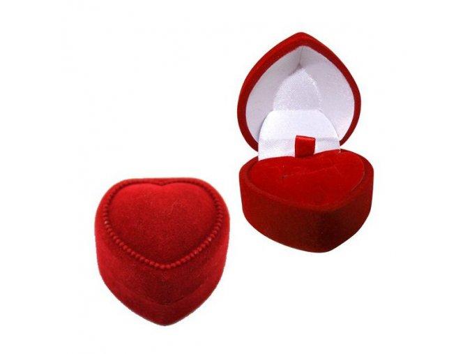Zamatové darčekové srdiečko na zásnubný prsteň alebo prívesok, červená farba