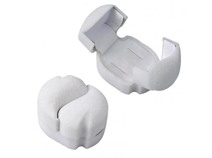 Zamatová krabička na svadobné obrúčky, biele srdcia (1)