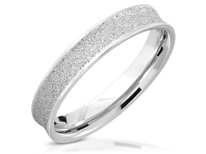 Sedlový pieskovaný prsteň z ocele, strieborná farba 4 mm