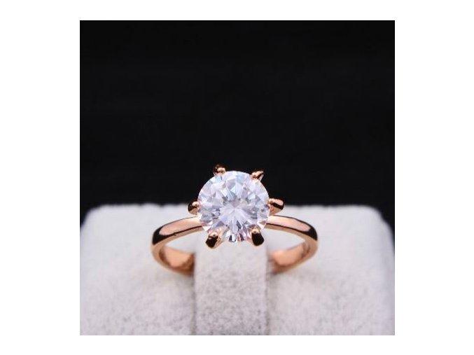 Prsteň pre ženu, číry brúsený kamienok v strede, bižutéria
