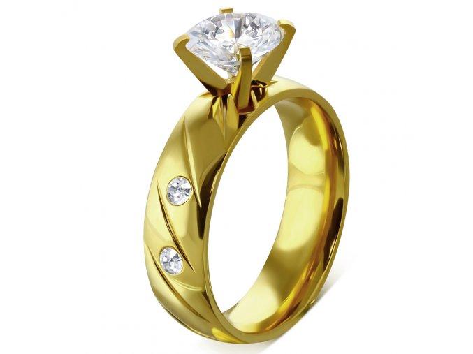 Zásnubný prsteň s kamienkom, oceľ zlatej farby, číre kamienky a gravírovanie Solitér