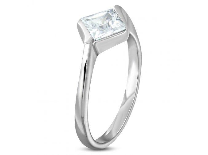 Zásnubný prsteň z ocele striebornej farby, číry štvorcový kamienok (1)