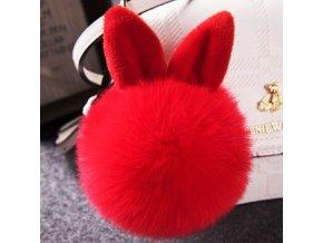 Červený chlpatý prívesok na kabelku, králičie uši, karabínka