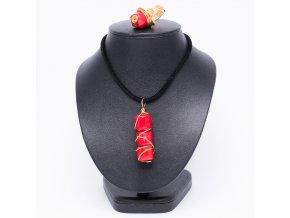 Náhrdelník a prsteň z prírodného koralu, drôt zlatej farby, bižutéria