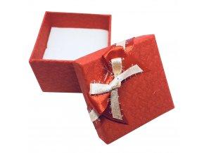 Červená darčeková krabička, jemná potlač a mašľa