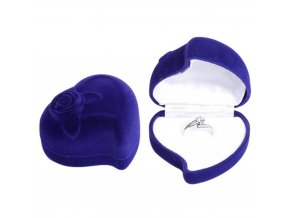 Zamatové darčekové balenie na svadobné prstene, modré srdce a ruža
