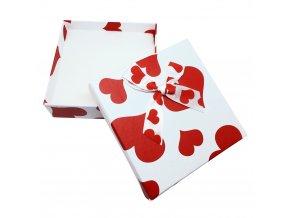 Darčekové balenie na sadu šperkov, biela farba a červené srdcia
