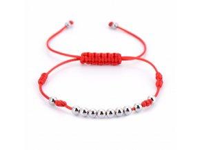Červený náramok, malé guličky striebornej farby bižutéria