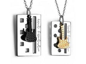 Prívesok pre dvoch z ocele, gitara a známka, nápis love forever (1)