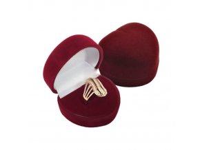Zamatové bordové srdiečko, darčeková krabička na prste 01